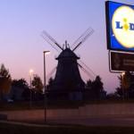 Mühle mit Lidel Werbung